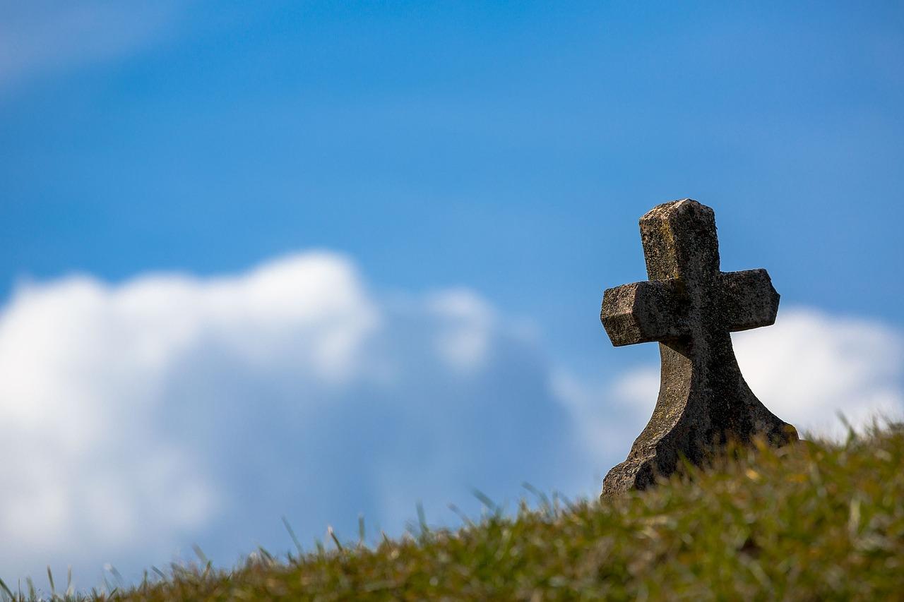葬式しない、墓もいらない…でもこれって許されないの?