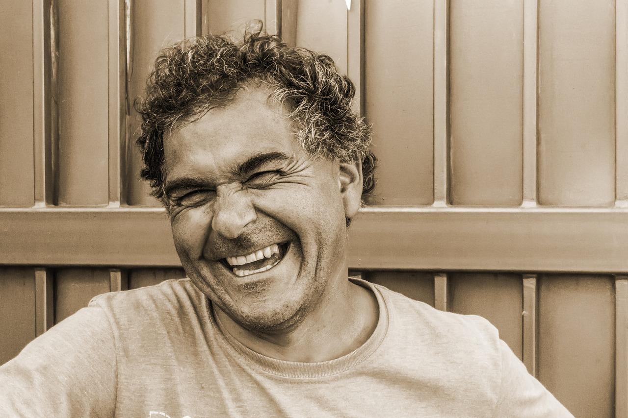 笑いの健康効果に関する論文が続々。でも日本には古来からある考えだった